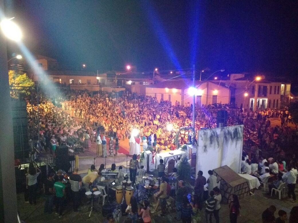 Centenas de pessoas participaram da Celebração